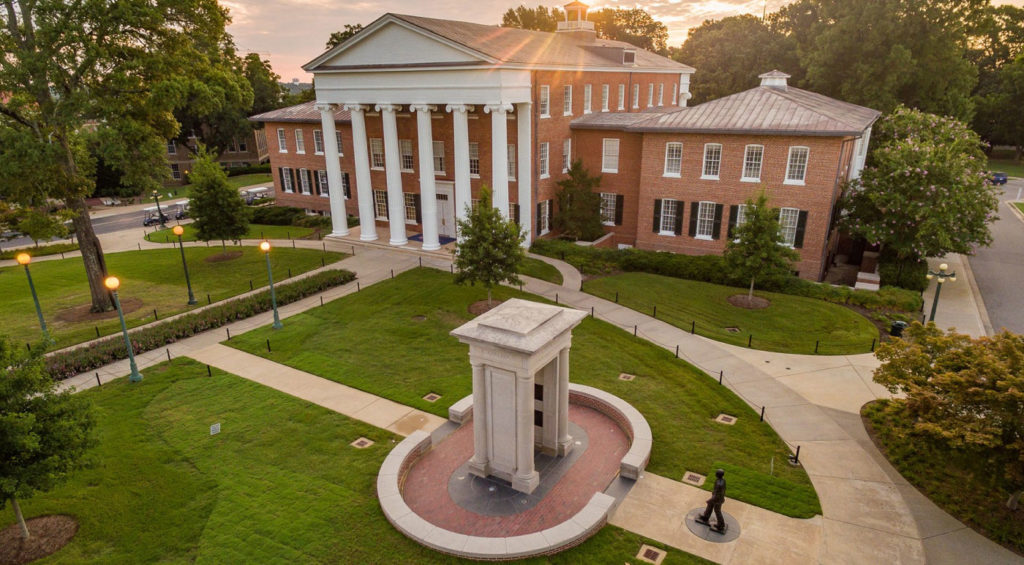 EDU AOC 30BestOnlineCollegesforVisuallyImpairedStudents UniversityofMississippi